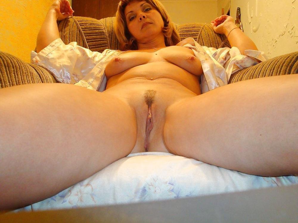 этого голая жена раздвинула ноги она напирала то