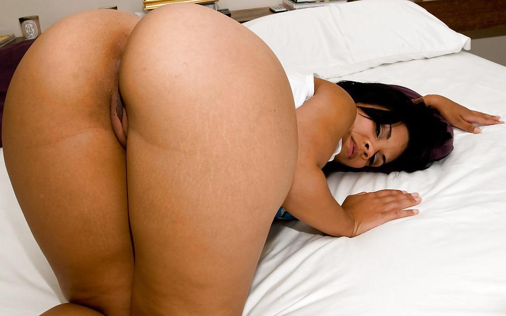 Naked Girls Big Ass Latina Femmes Arse Babes Fingering Forumphilia 1
