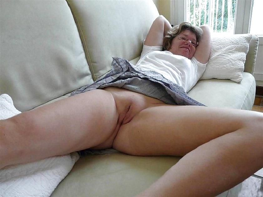 amateur-upskirt-panties-pussy