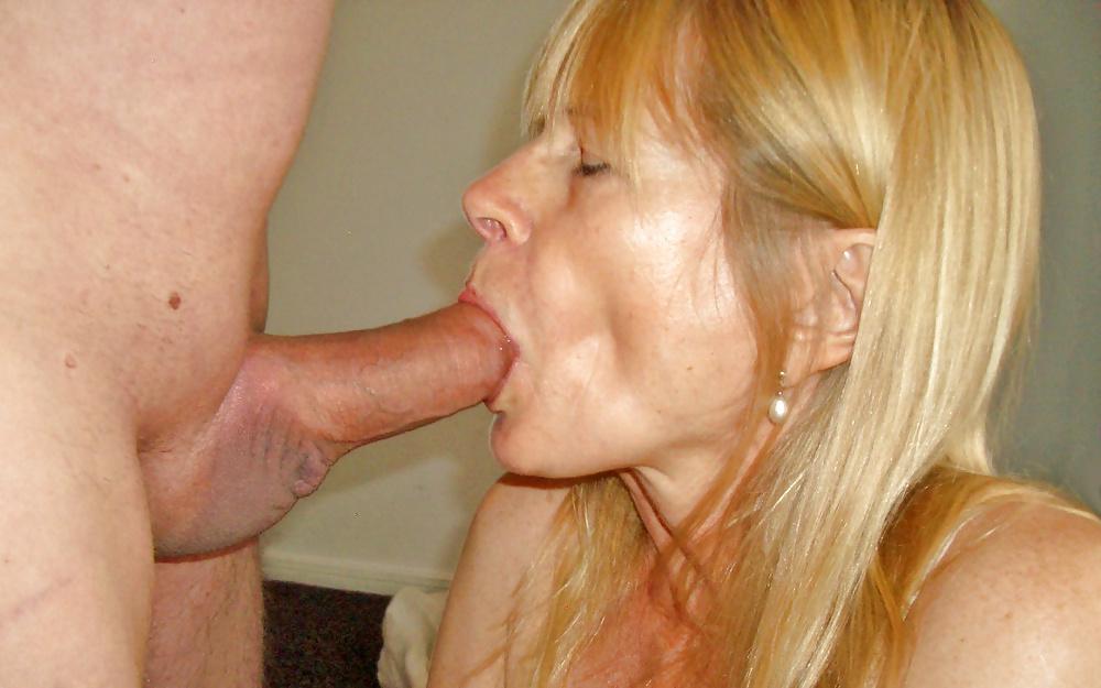 Older horny women giving blow jobs — photo 2
