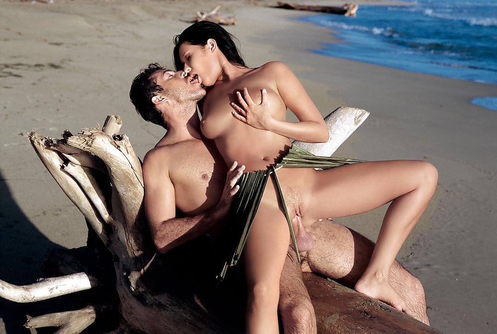krasiviy-seks-na-more-video-stala-rakom-v-chulkah-foto