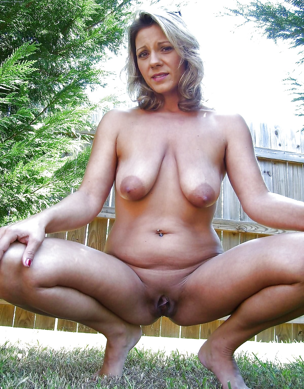 Outdoor granny pic, free women gallery