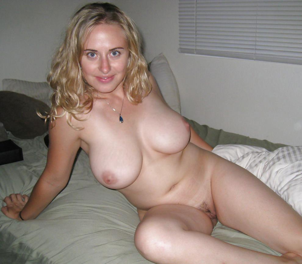 Amateur blonde homemade porn