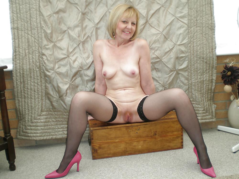 Nylon Stockings Mature Nude Pics, Women Porn Photos
