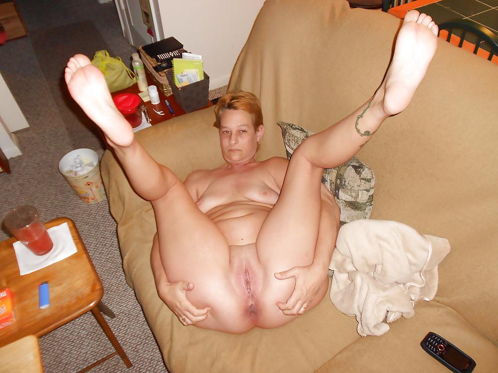 Sexy Tattoo Milf Dancing And Posing Naked Tnaflix Porn Pics