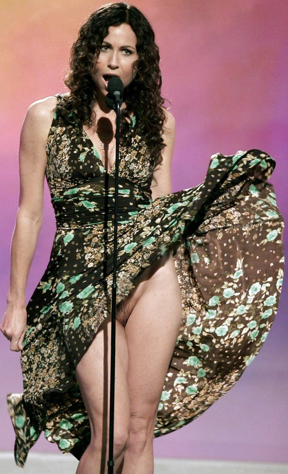 Трусы певиц актрис звезд фото крупным планом, миа малкова кто это