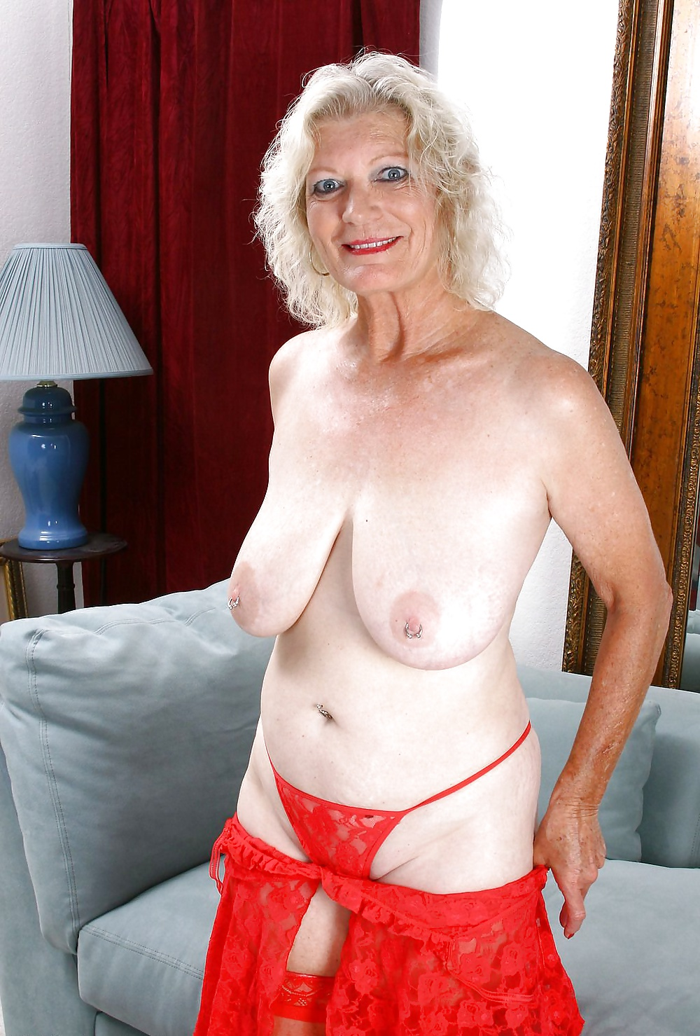 lady-old-sexy-naked
