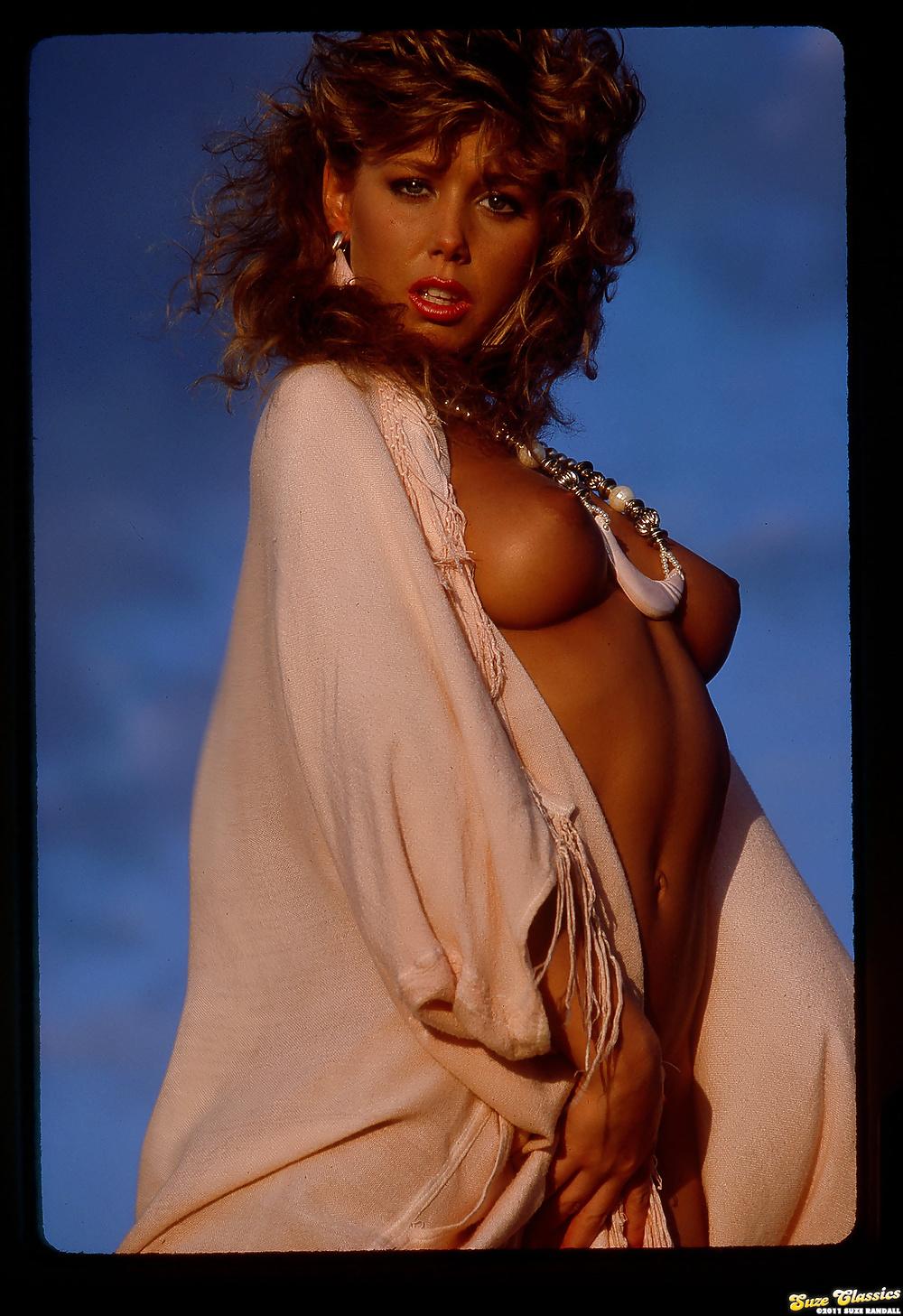 blondie-bee-porn-star-latinas-san-diego-naked-girls