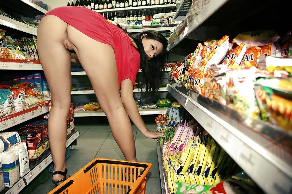 для этого пришла в магазин без трусиков можно скачать другие