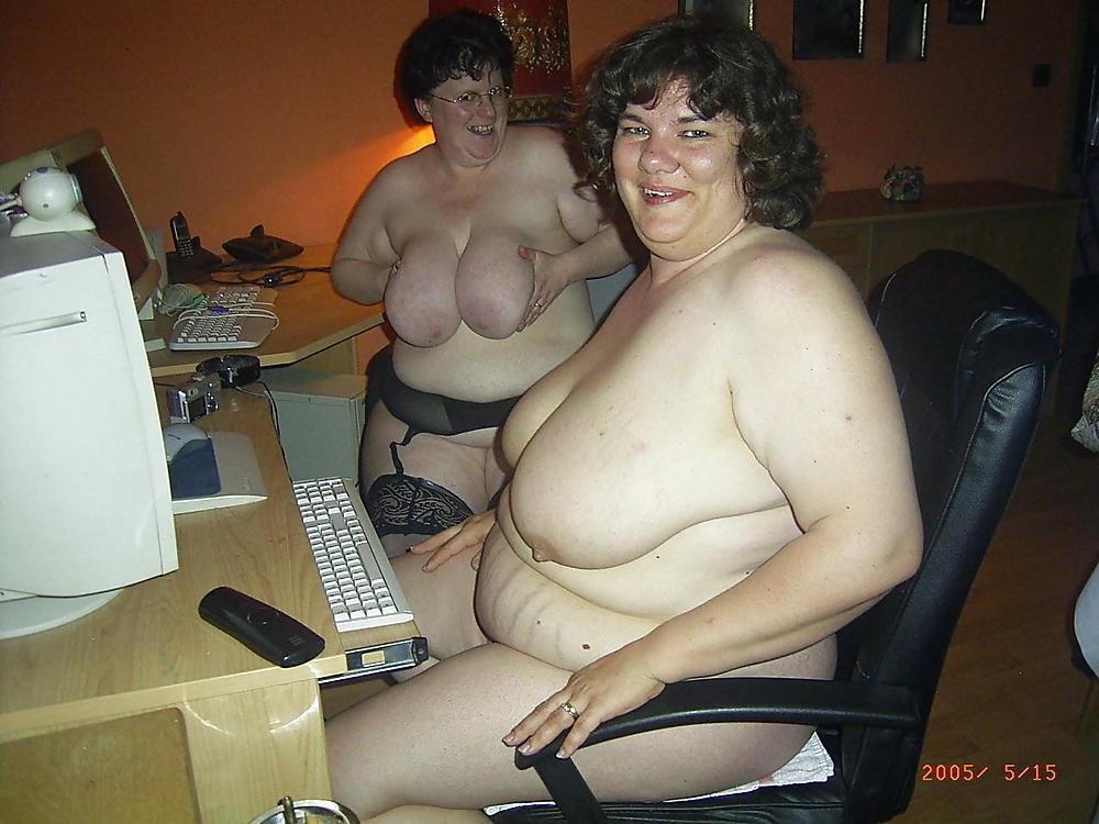 Фото страшных голых женщин, азиаточка выплевывает сперму