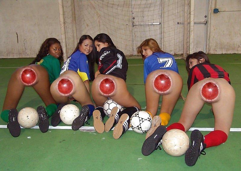 Мячик в жопе порно