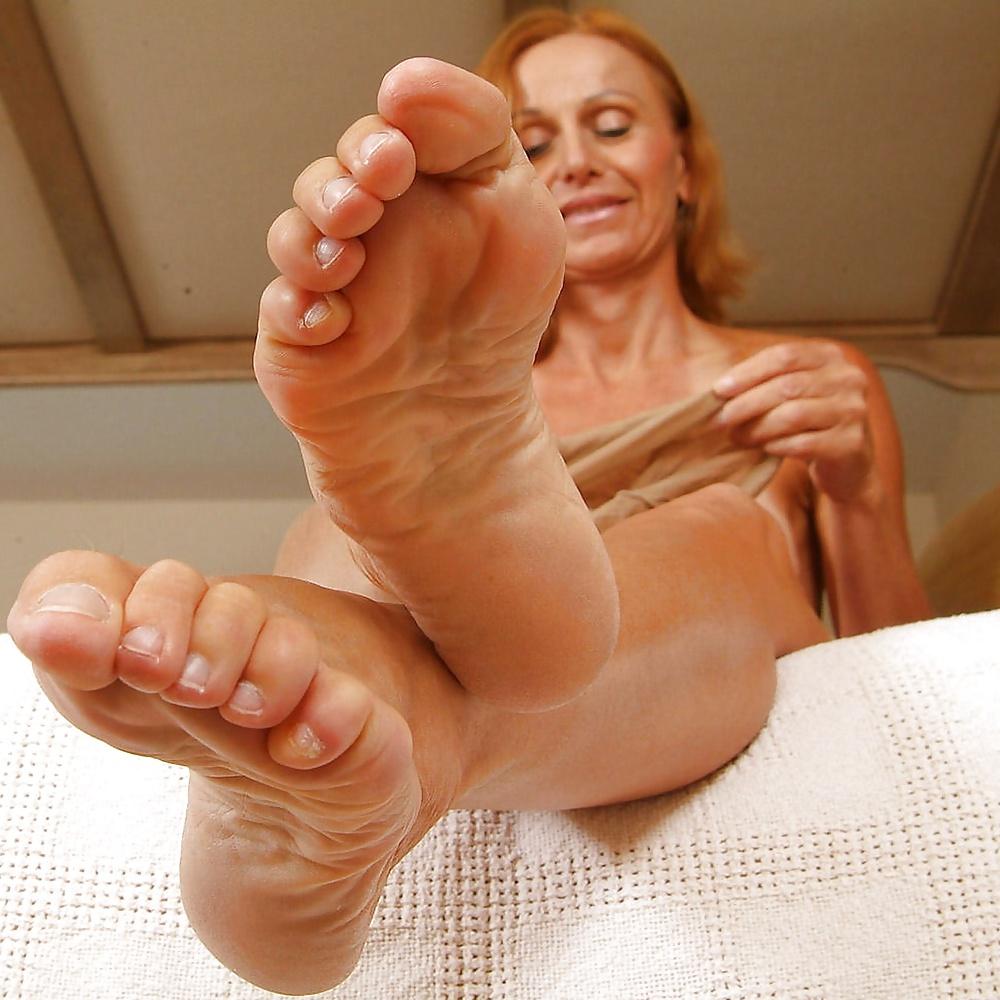 Mature feet foot — photo 7