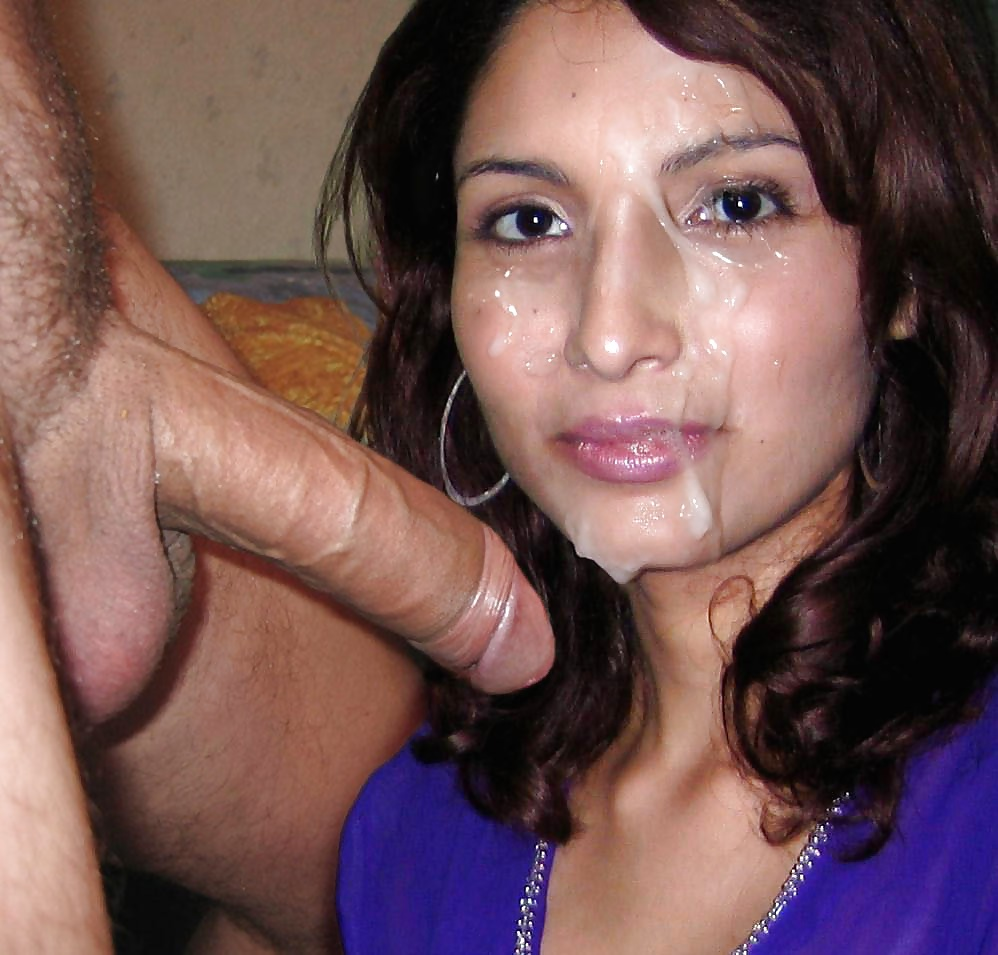 Ugly indian slut swallows the cum after filthy foreplay session