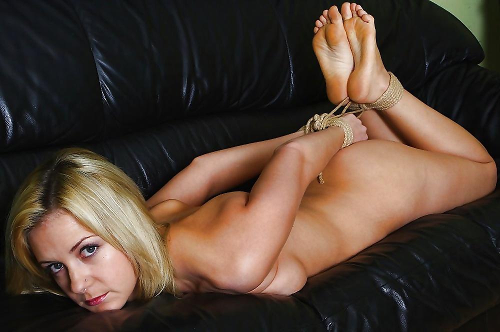 Teen Feet Girl Tamara Asser Gets Tied Up By Neighbour