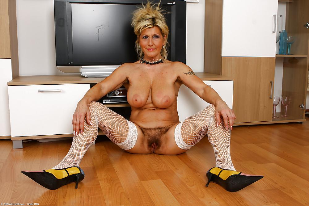 Helen mirren fake nude porn