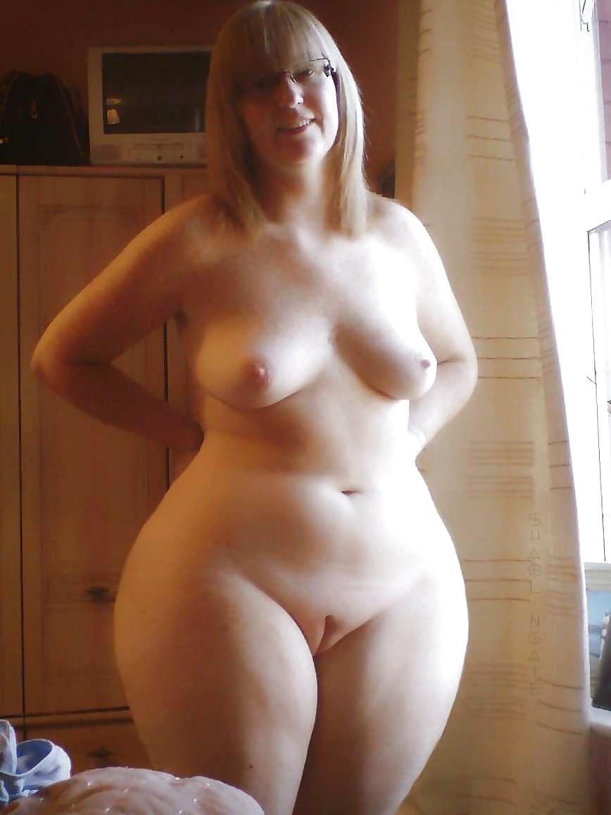 зрелые пухленькие женщины голые дома - 12