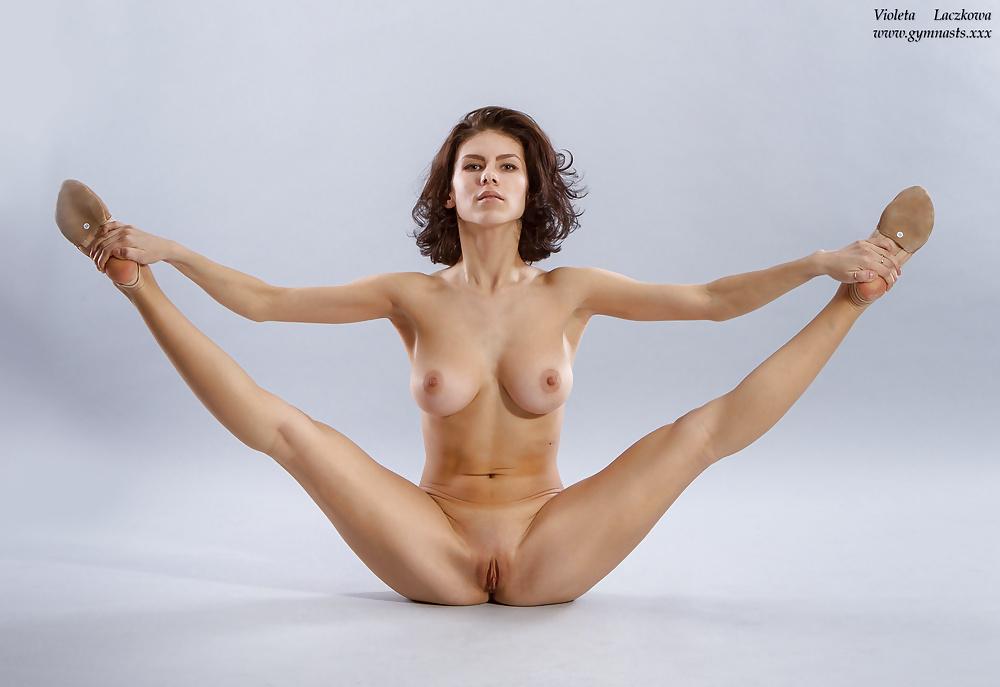 Hot Nude Yoga Gallery With Six Naked Yoga Girls