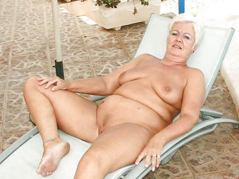 Beeg Youthful Solo Leather Topless Granny 1
