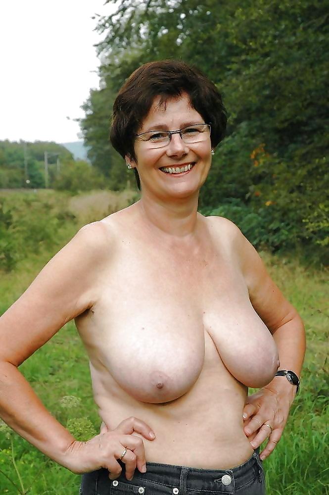 грудь пожилых женщин фото - 8