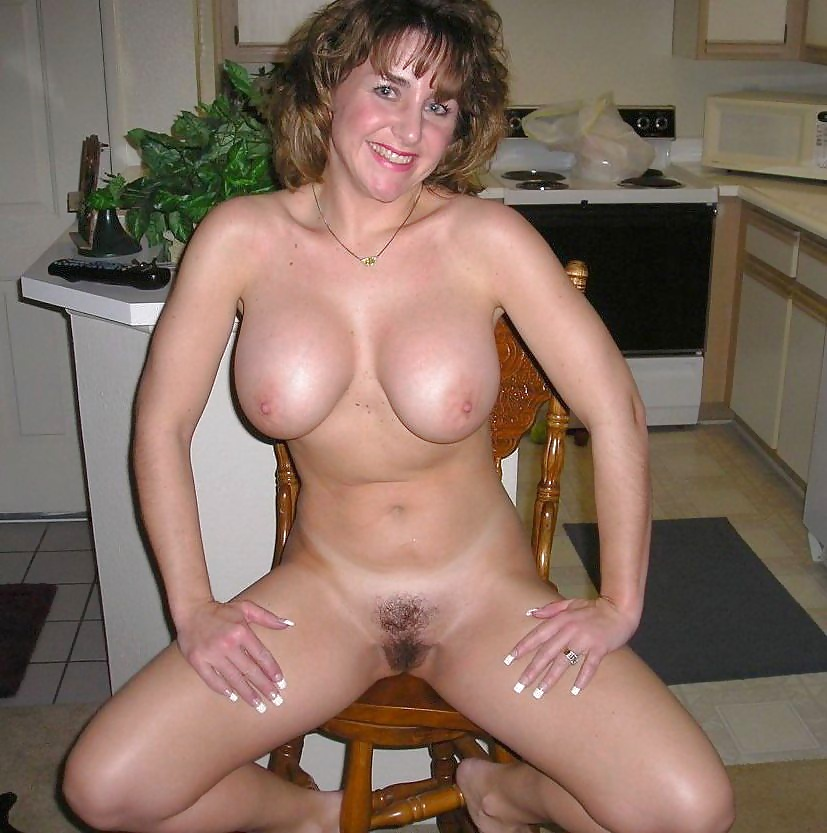 Private Amateur Pictures Of Moms