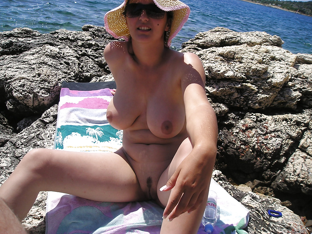 hot body on the beach - amateur (5/52)
