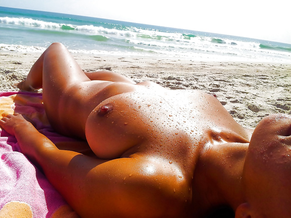 Girls sun bathing naked — img 9