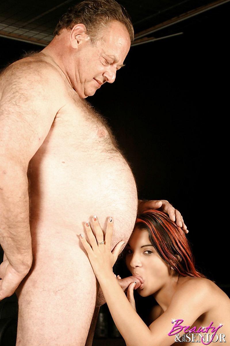 отсос у жирного мужика - 11