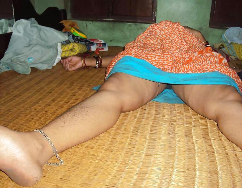 Hot sexy bollywood indian girl aunty bhabhi desi indian model biography wallpaper pics