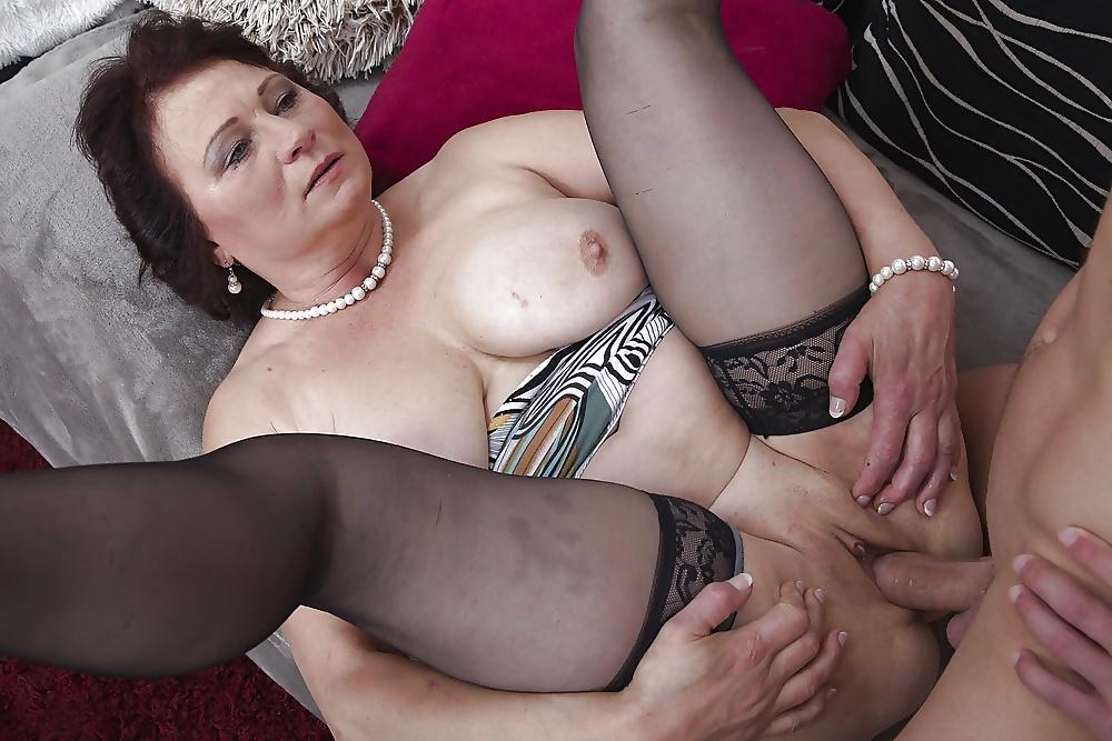 Mature homemade xxx and mom porn pics