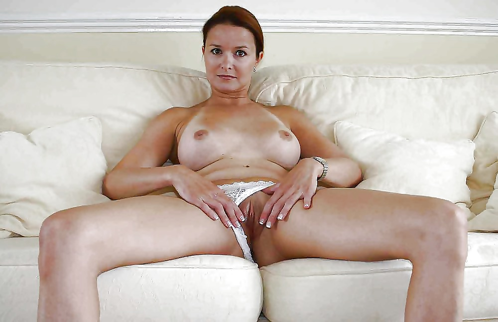 Free nude blonde milfs pictures