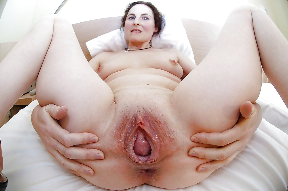 Amazon women big vagina giant pussy stretched