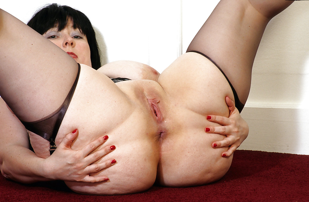 Juicy Fat White Pussy Big Booty Girl