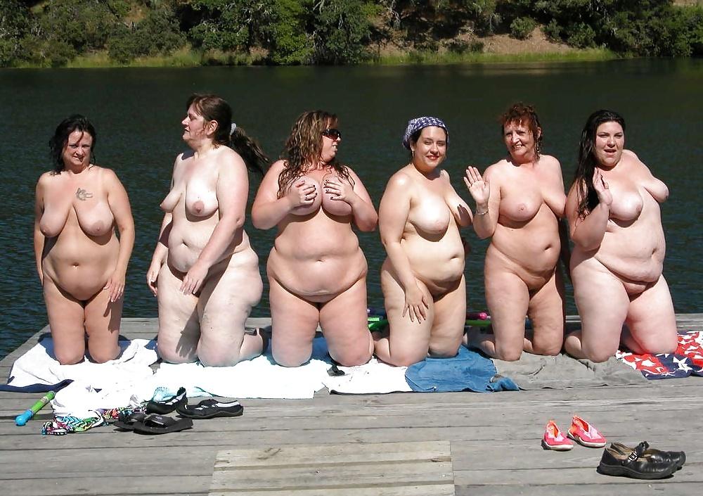 голые толстые женщины всех национальностей случайно