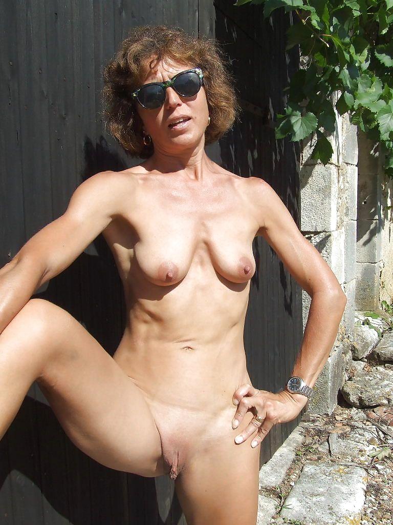 Older women saggy tits pics