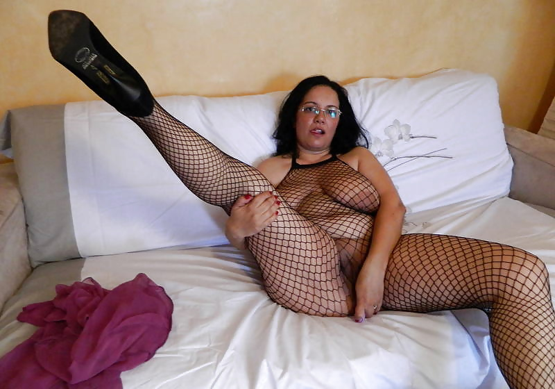 Fishnet hooker cocksucking before doggystyle