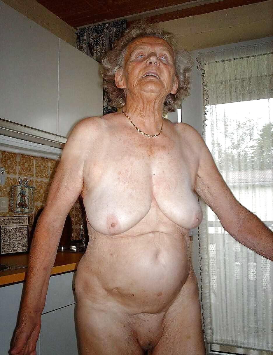 гугл фото голых старых женщин обнаружили
