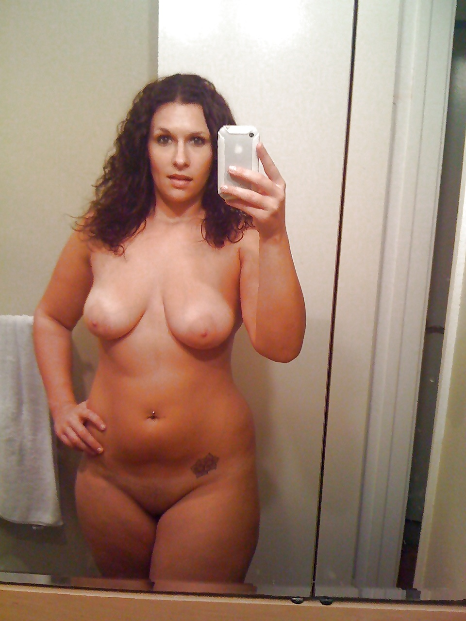 Girlfriend topless thick
