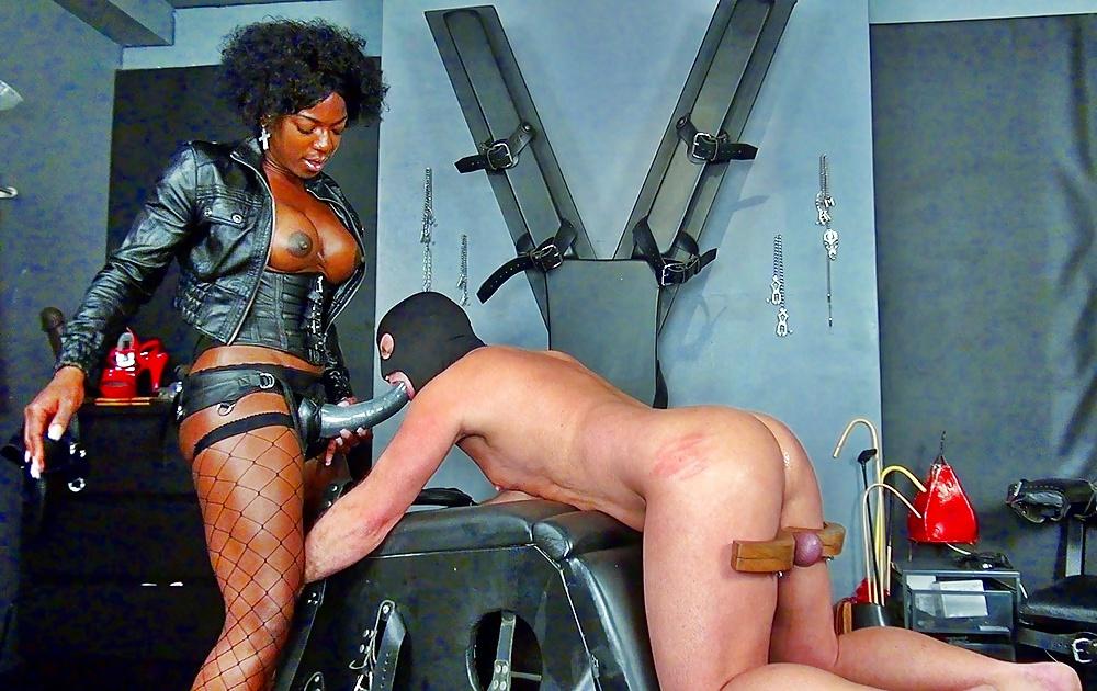 Black femdom cams live