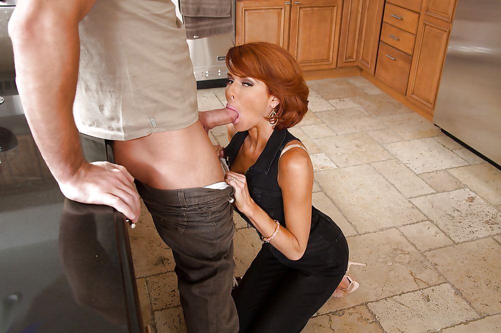 Hot Redhead And Female Agent Oral Sex Porn Photo Online