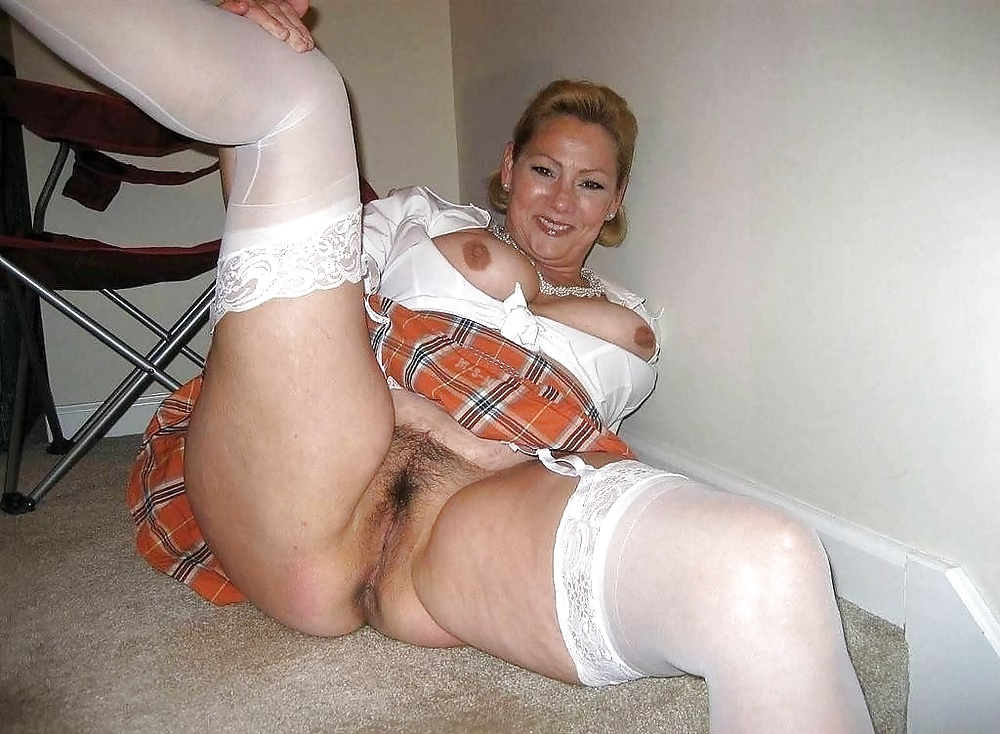 Housewife pornpictures — img 8