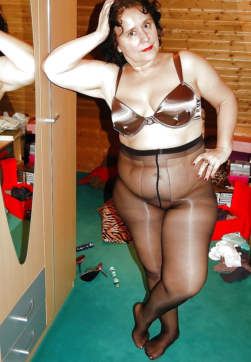 Naked chubby ladies in nylons