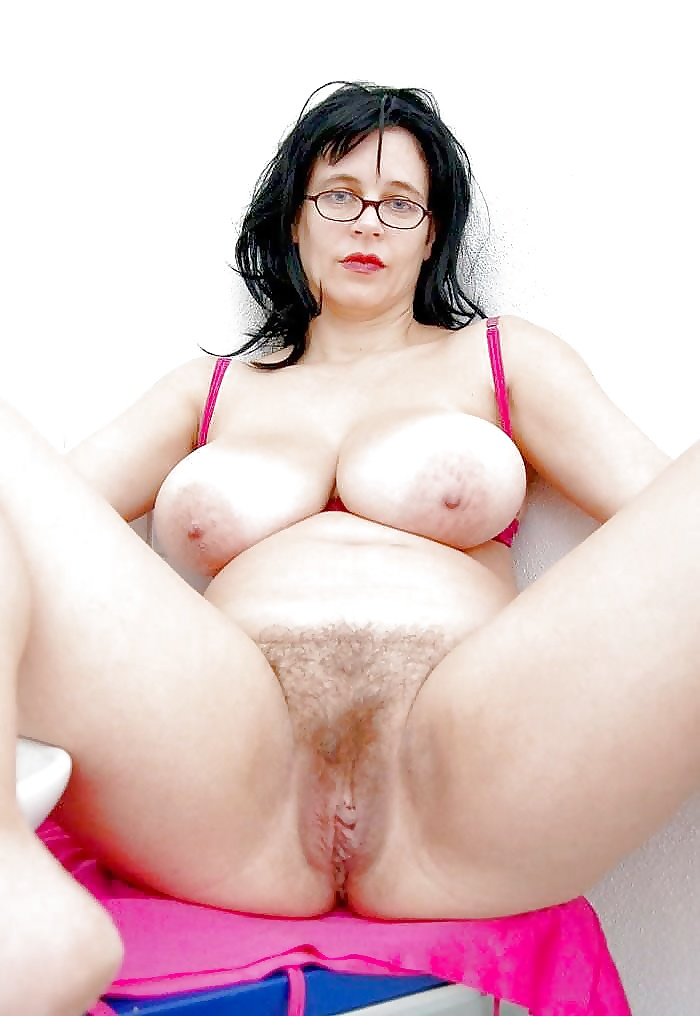 girl-suggests-big-natural-pussy-showing