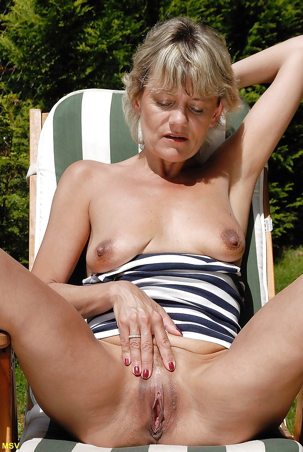 Бритые киски зрелых дам фото
