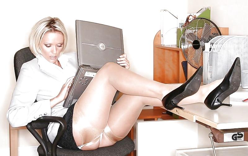 Jamie Lynn Upskirt Office Fantasy