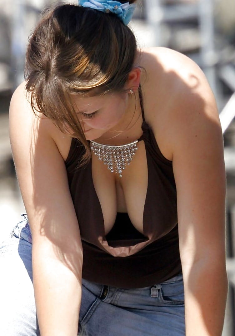 Young nude female erect nipples up close — photo 7