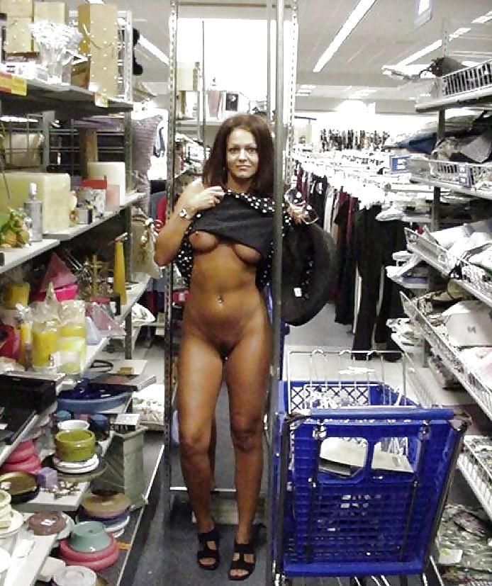 Naked Man Goes Shopping In Wahpeton Walmart
