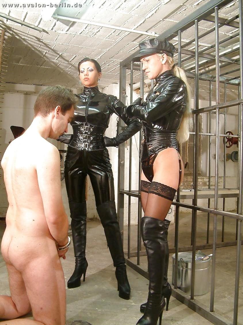 Prisoner bdsm mistress