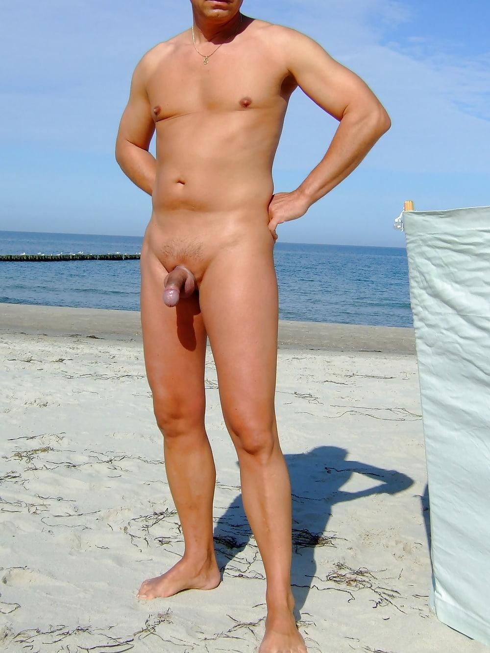 Und strand nackt rasiert am Bild Strand