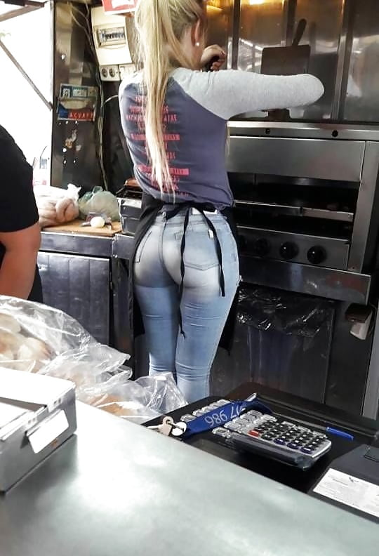Eating ass in public