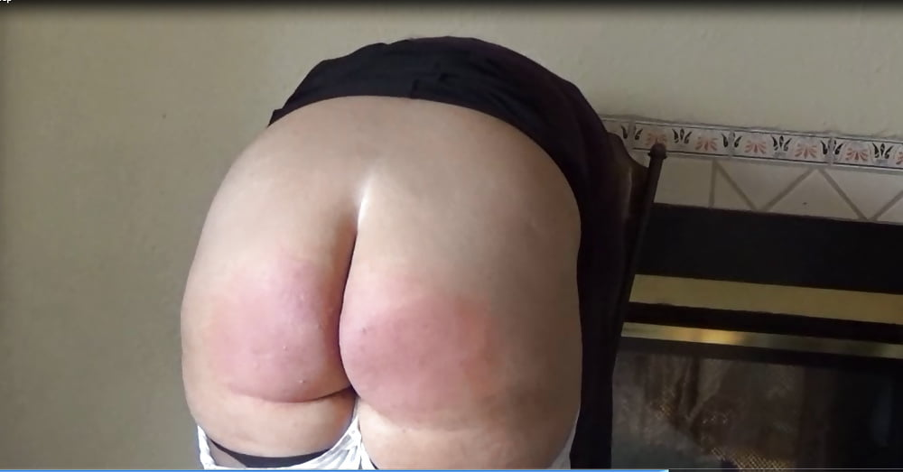 Spanking myself on webcam till my butt cheeks start burning